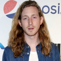 Asher Roth Net Worth: A Rapper, his earnings, songs, albums, tour, relationship