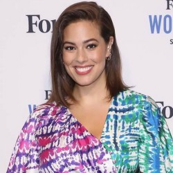 Ashley Graham Net Worth|Wiki: An American model, earnings, Career, Instagram, Age, Husband, Baby