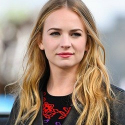 Britt Robertson Net Worth|Wiki:Know her earnings, Career, Movies, TV shows, Age,Height, Relationship