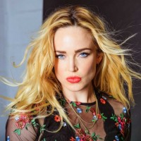 Caity Lotz Net Worth: Know her earnings, movies, tv shows, boyfriend, age