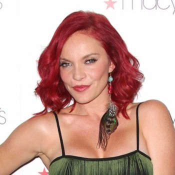 Carmit Bachar Net Worth:Singer from LadyStation and Pussycat Dolls, her earnings, songs, albums