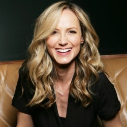Chely Wright Net Worth|Wiki: Know the earnings of country singer, songs, albums, wife, kids, family