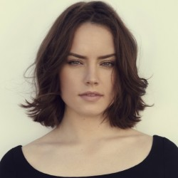 Daisy Ridley Net Worth: Know her earnings, movies, tvshows, star wars, relationship, sisters