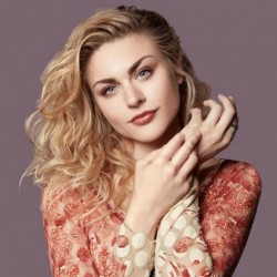 Frances Bean Cobain Net Worth|Wiki:know her earnings, songs, artwork,career, Lifestyle