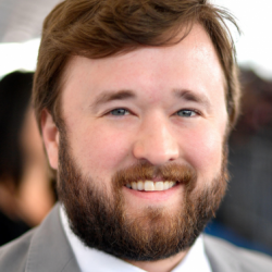 Haley Joel Osment Net Worth | Wiki:Know his earnings, movies, tvshows, awards, sister, age