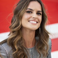 Izabel Goulart Net Worth,wiki,modeling, earnings, workout, instagram, age, height, hair, diet