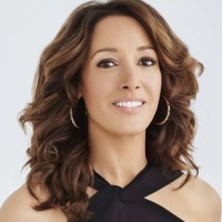 Jennifer Beals Net Worth|Wiki: Know her earnings, movies, tv Shows, husband, children, age