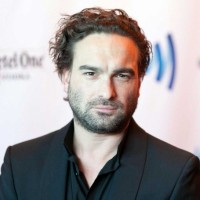Johnny Galecki Net Worth | Wiki: Know his earnings, movies, tv shows, girlfriend, affair, child