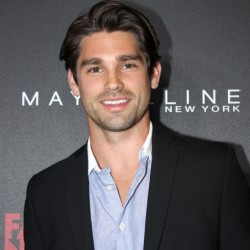 Justin Gaston Net Worth : Know about Justin Gaston and his earnings,assets,career,relationship