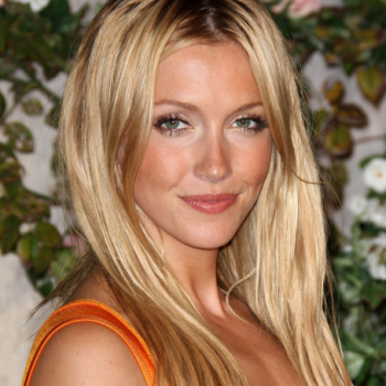 Katie Cassidy Net Worth | Wiki: Know her earnings, movies, tvShows, Career, husband