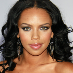 Kiely Williams Net Worth | Wiki,earnings, songs, movies, tvShows, sisters, husband, instagram