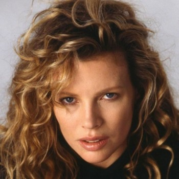 Kim Basinger Net Worth- Know Kim Basinger's income,salary, property & Love life