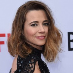Linda Cardellini Net Worth: Know her earnings, movies, tvshows, age, husband
