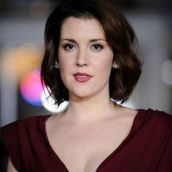 Melanie Lynskey Net Worth|Wiki: Know her earnings, Career, Movies, TV shows, Age, Husband, Children