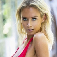 Nicky Whelan Net Worth-Know about Nicky's total net worth,income sources & relationship