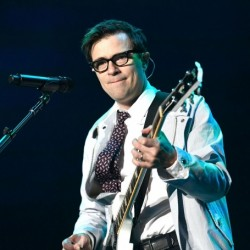 Rivers Cuomo Net Worth|Wiki: Know his earnings, songs, albums, wife, family, age, height