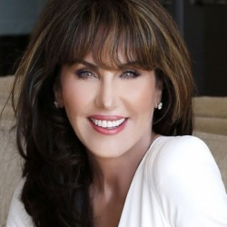 Robin McGraw Net Worth|Wiki: know her earnings, Books, TV shows, Age, Height, Husband