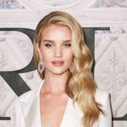Rosie Huntington-Whiteley Net Worth|Wiki: Know her earnings, Model, Movies, Age, Husband, Child