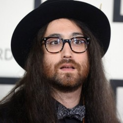 Sean Lennon Net Worth|Wiki: Son of John Lennon, his earnings, songs, band, album, parents