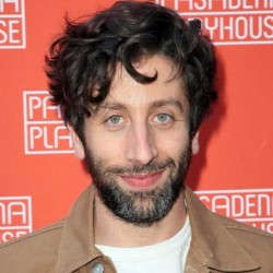 Simon Helberg Net Worth | Actor from The Big Bang Theory, his earnings, house, career, wife, kids