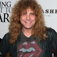 Steven Adler Net Worth: Know his earnings,songs,albums,band, wife Carolina Ferreira, tour