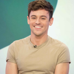 Tom Daley Net Worth:The Diving Champion Tom Daley and his Bio,earnings,husband,career,achievements