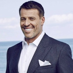 Tony Robbins Net Worth: An Amercian motivational speaker, his incomes, career, family