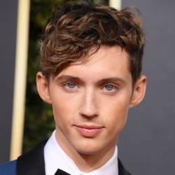 Troye Sivan Net Worth|Wiki: know his earnings, Career, Songs, Movies, Youtube channel, Relationship